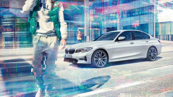 BMW 330e Limousine