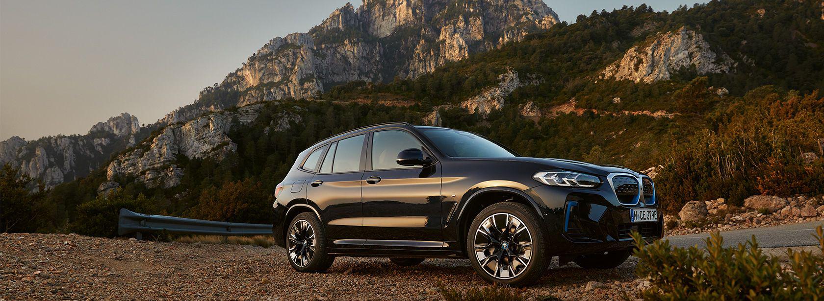 BMW iX3 G08 2021 M Carbonschwarz Seitenansicht